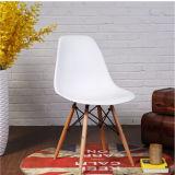 Présidence en plastique moderne d'Emes de meubles de jardin/hôtel