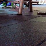 Nuevo suelo de goma de la gimnasia