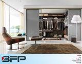 غرفة نوم أثاث لازم طلاء لّك خزانة ثوب خشبيّ يجعل في الصين