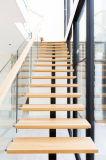 Projeto de escada de madeira interior em madeira de carvalho pré-acabado
