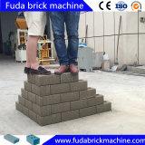 Toptenの自動連結の粘土のブロックの成形機の泥の煉瓦メーカー