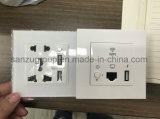 Zoccolo di parete senza fili di Pin dell'universale 5 del router di WiFi