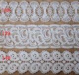 高品質の衣服のための化学水溶性のミルクヤーンの刺繍のレース