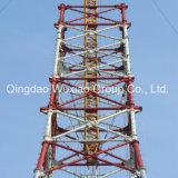Передающая линия башня распределения силы электропитания утюга