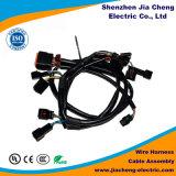 Montaje del cable de la caja de fusibles con el cableado automático de los terminales