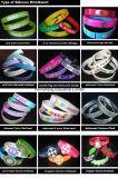 Los Wristbands por encargo del silicón de la insignia personalizaron el Wristband
