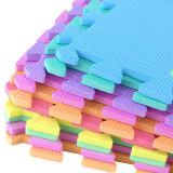Folha colorida da espuma de EVA para a utilização do ofício e o material decorativo da casa