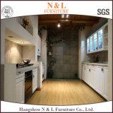 Gabinete de cozinha de madeira maciça de alta qualidade com alça integrada