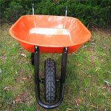 Carrinho de mão de roda industrial modelo de Truper com carga 150kgs