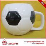 Tazza di ceramica del latte di figura di gioco del calcio della coca-cola con il marchio impresso della decalcomania