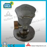 Yelllowカラー糸(YD-I5021)が付いている造られた真鍮の角度弁