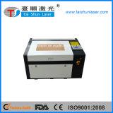 Laser en verre de commande numérique par ordinateur de gravure de papier maroquin découpant la machine