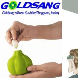 Peeler colorido del ajo del silicón de la mano