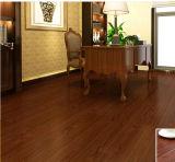 Slacciare il pavimento nero di legno del vinile del PVC di colore di disposizione