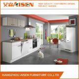 Kundenspezifische geformte Küche-Möbel Hangzhou-Aisen modernes Licht