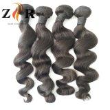 インドの自然で黒く自然な波の人間のRemyの毛