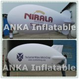 Facendo pubblicità all'aeroplano gonfiabile per la promozione (ANKA)