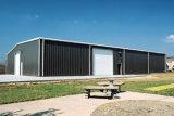 Edificio galvanizado de la estructura de acero con el panel de emparedado de las lanas de roca de 100m m (KXD-SSB107)
