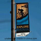 Поляк рекламируя установку Bannerssaver плаката флага Lamppost (BT90)