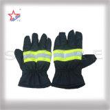 Guantes incombustibles de la seguridad del juego para el bombero