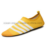 De klassieke Schoenen van het Water van de Schoenen Aqua van de Manier Blootvoetse zwemmen de Schoenen van de Huid van de Schoenen van het Strand van de Schoenen van de Yoga van Schoenen