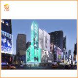 L'Afficheur LED polychrome visuel extérieur de maille de rideau en P10 DEL/personnalisent