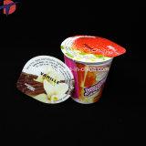 O Yogurt da alta qualidade coloca selos da folha
