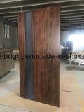Portello di legno della parte anteriore del portello del perno