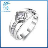 De klassieke Juwelen van Ring 925 van het Zirkoon van de Stijl Witte Zuivere Echte Zilveren Man