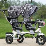 赤ん坊は中国からの三輪車の子供の二重シートの三輪車を結び付ける