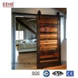 De houten Deur van de Holte van de Zak van de Schuur met Hardware