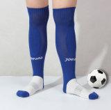 De Kousen van de Sport van de nieuwe Model Hoge Grote Mensen van de Knieschijf van de Absorptie van de Vochtigheid van de Voetbal van de Lijn van de Stapel Antislip