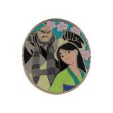 安い価格の卵形の金属の錫の日本製アニメボタンはエナメルのバッジに記章を付ける
