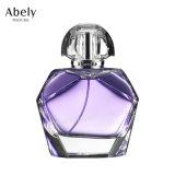 O volume pequeno anunciou o frasco de perfume do tipo com perfume original