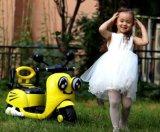 Le véhicule à piles d'enfants badine la conduite électrique sur le véhicule