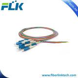 12のカラーマルチコア光ファイバ端末増設機構のピグテールシングルモードマルチモードSc/LC/FC/St/MTRJ/E2000 Upc/APC 0.9/2.0/3.0m 12fibers