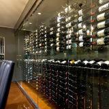 Набор стены вина рядка представления совмещает шкаф вина металла установленный стеной