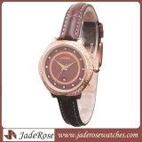 女性ファッション・ウォッチ、本革が付いている一義的な水晶水晶腕時計