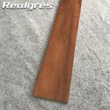 Rustikales Holz wie Metall glasig-glänzende Porzellan-Fliese