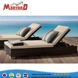 専門ファブリック屋外浜の調節可能なChaiseのラウンジによって装飾される寝台兼用の長椅子のSunbedの椅子