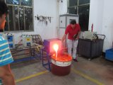 Fornace calda del fonditore della ferraglia del riscaldamento di induzione di vendita