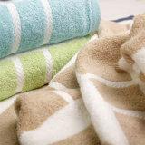100%년 면 연약한 Y/D 줄무늬 목욕 수건 비치 타올