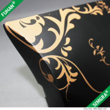 Boîte-cadeau de papier de carton de noir de modèle simple