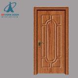 クルミの木によって切り分けられるドアの純木のドア