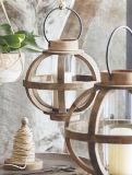 Abete di Barrett e lanterna di legno stampati in neretto della candela della colonna del ferro con l'uragano di vetro