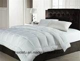 공장 가격 Polyfiber 호텔을%s 300의 Tc 면 공단에 의하여 누비질되는 침대 위안자