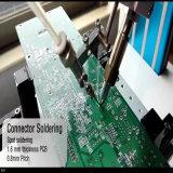 PCBの自動はんだ付けする工業用ロボット