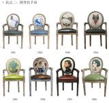 Kreativ antike hölzerne Stuhl-Abbildungen personifizieren
