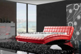 Base moderna do quarto do couro genuíno da onda com frame de madeira