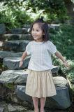 O algodão 100% Tornou ôco-para fora o t-shirt para o verão das meninas